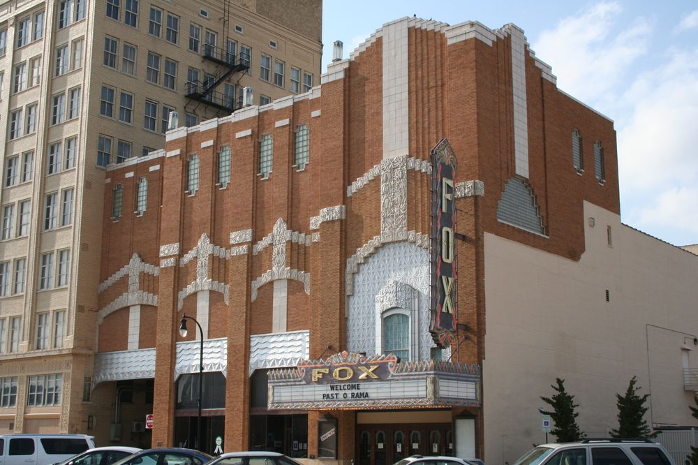 Hutchinson KS Majestic Theaters